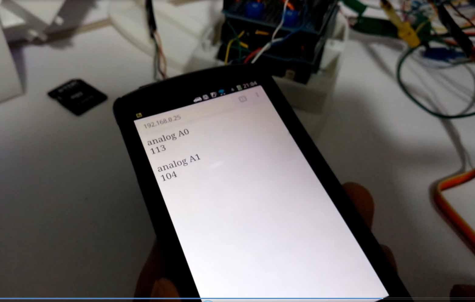 ArduinoからiOSやAndroidブラウザへリアルタイムデータ通信(Server-Sent Events使用)ができました。