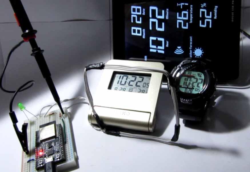 ESP32 で 市販の 電波時計 を合わせてみた