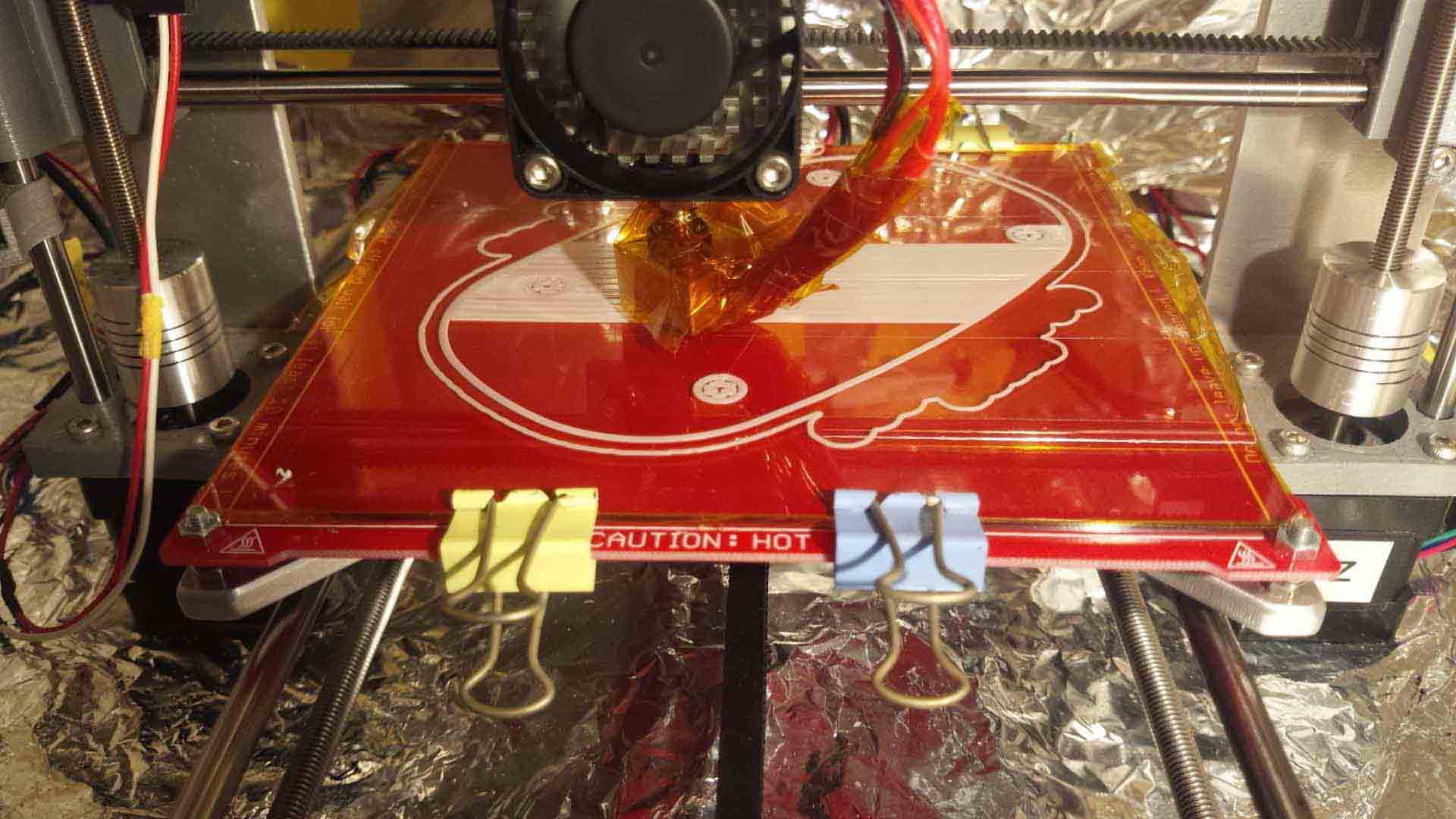 3Dプリンターでケースを作り始めました